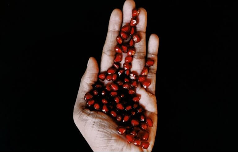 Can pomegranate helps to be beautiful?